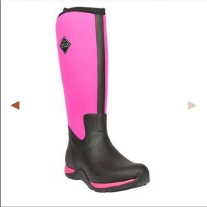 MUCK BOOTS ( size 10)